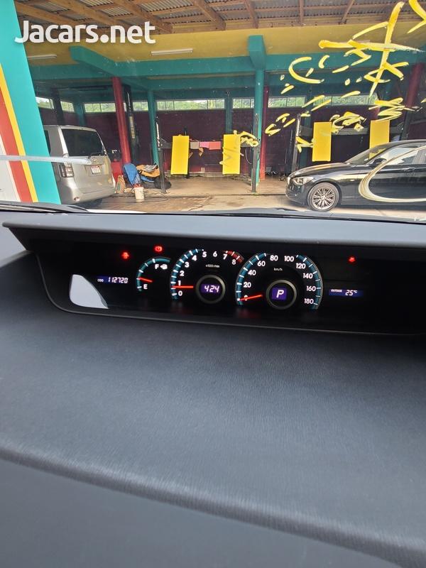 Toyota Voxy 2,0L 2013-11
