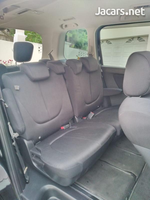 Mazda Biante 2,0L 2012-5