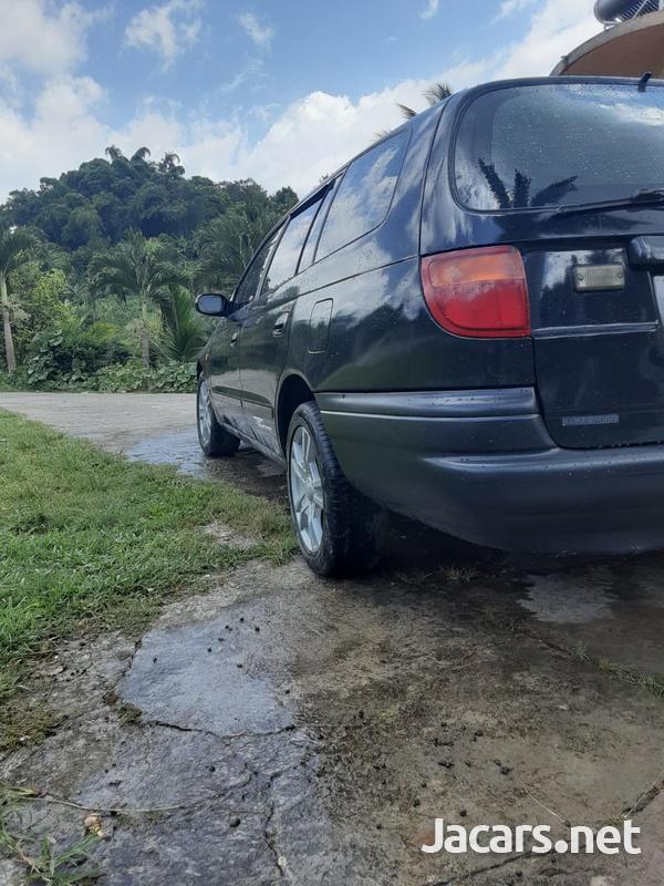 Toyota Caldina 1,3L 2001-3