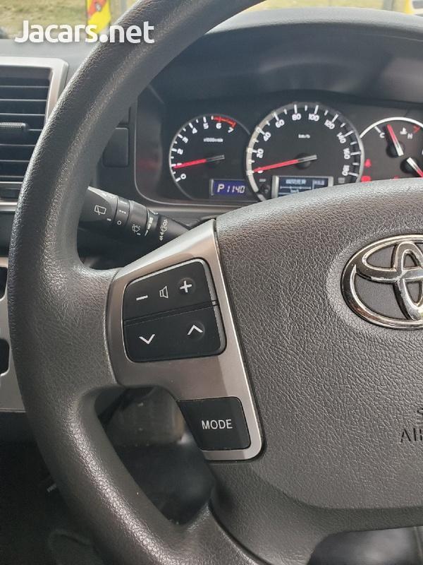 Toyota Hiace 3,0L 2015-9