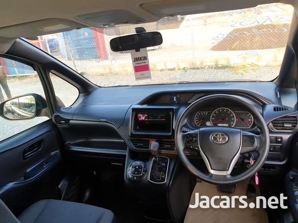 2014 Toyota Noah-5