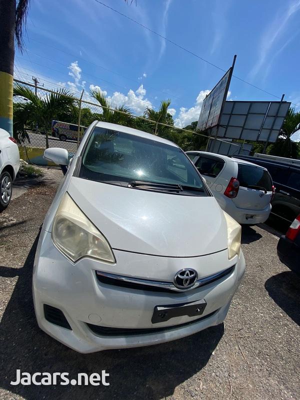 Toyota Ractis 1,3L 2013-1