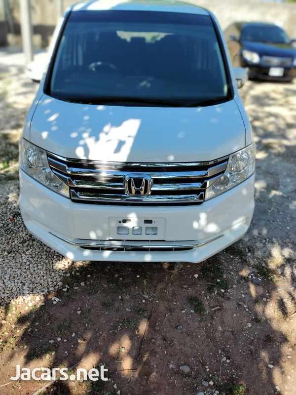 Honda Stepwagon 2,0L 2013-2