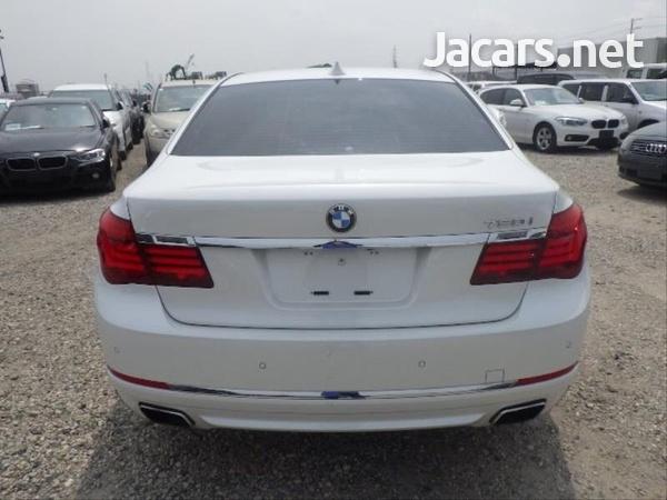 BMW 7-Series 0,4L 2014-4