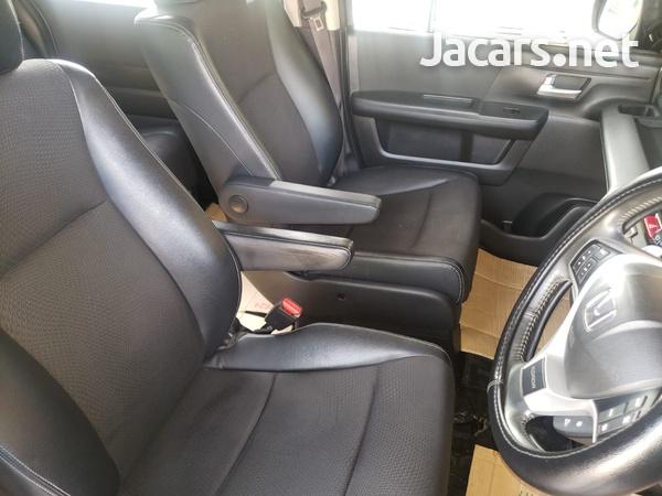 Honda Stepwgn Spada 2,0L 2013-4