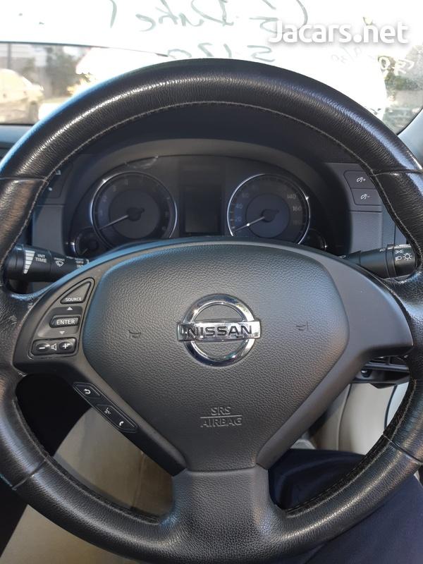Nissan Skyline 2,5L 2011-7