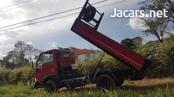 Nissan Cabstar tipper 2004 newly imported-1