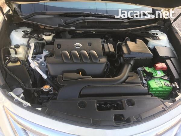 Nissan Teana 2,0L 2015-8