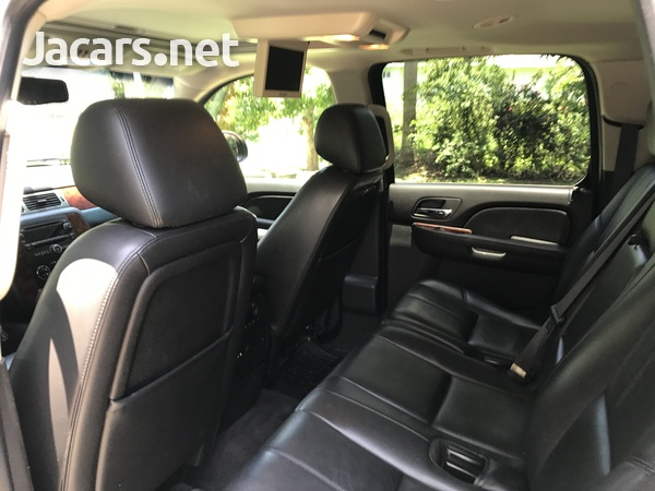 Chevrolet Suburban 5,5L 2014-3