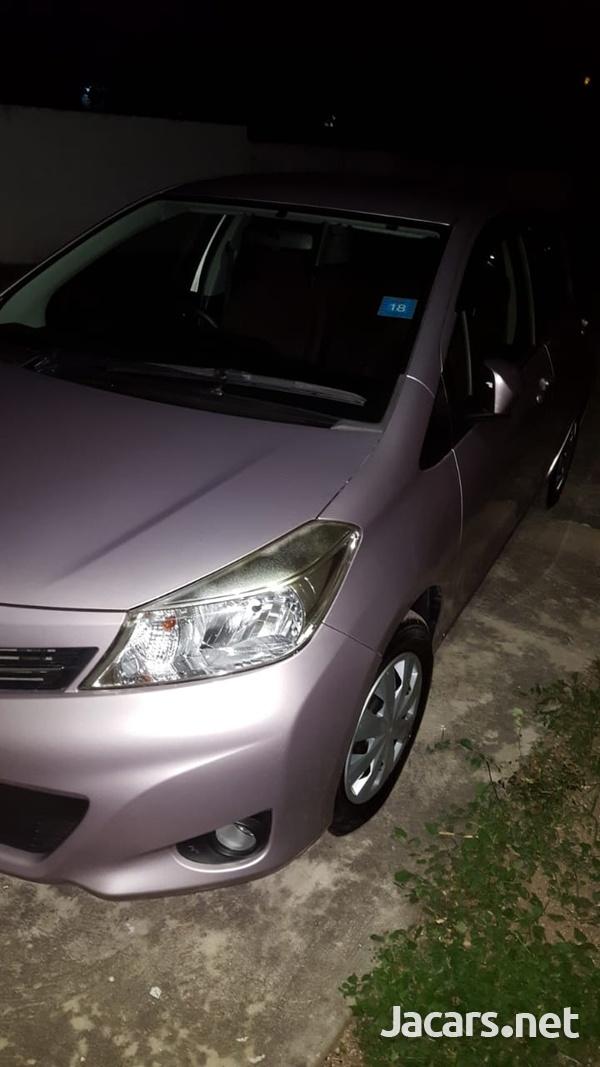 Toyota Vitz 1,0L 2011-1