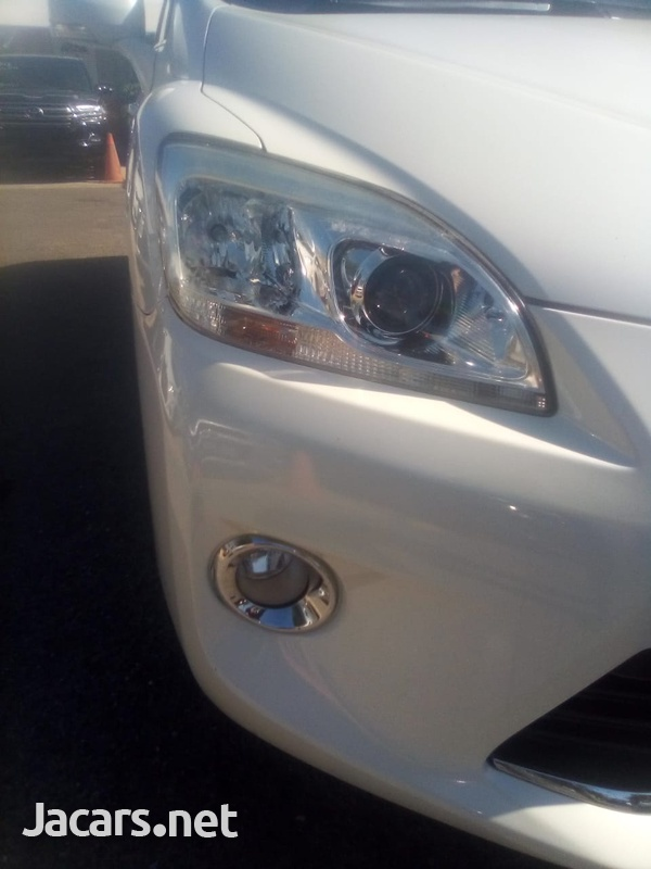 Toyota Mark X 2,0L 2011-9