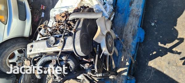 Mitsubishi L200 engine-3