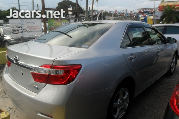 Toyota Camry 2,0L 2014-4