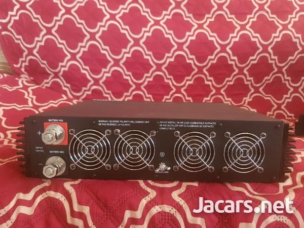 2500 Watt Pure Sine Wave Power Inverter-4