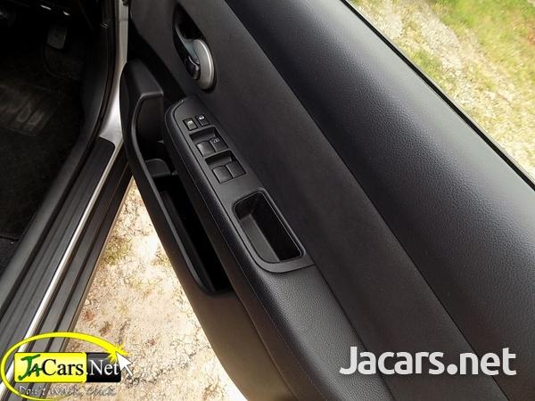 Nissan Tiida 1,4L 2013-6