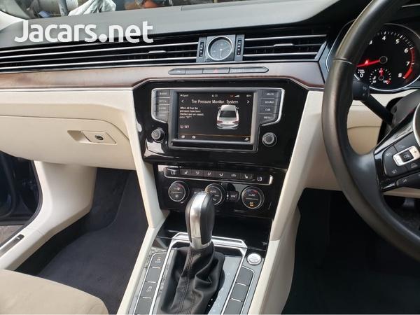 Volkswagen Passat 2,0L 2016-6
