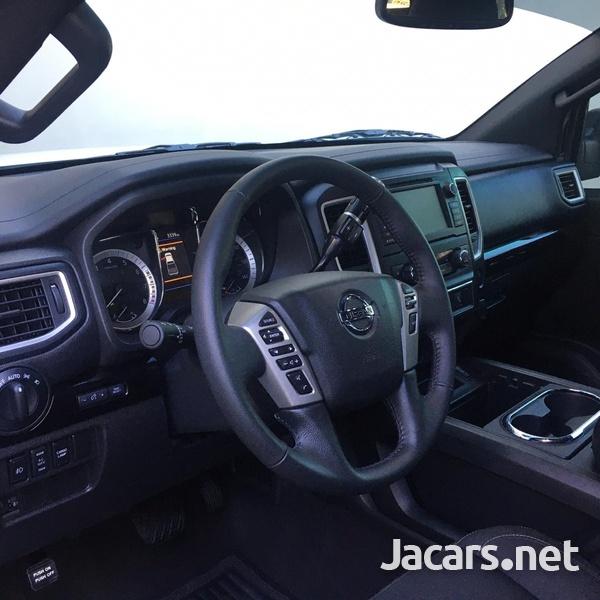Nissan Titan 5,6L 2019-7