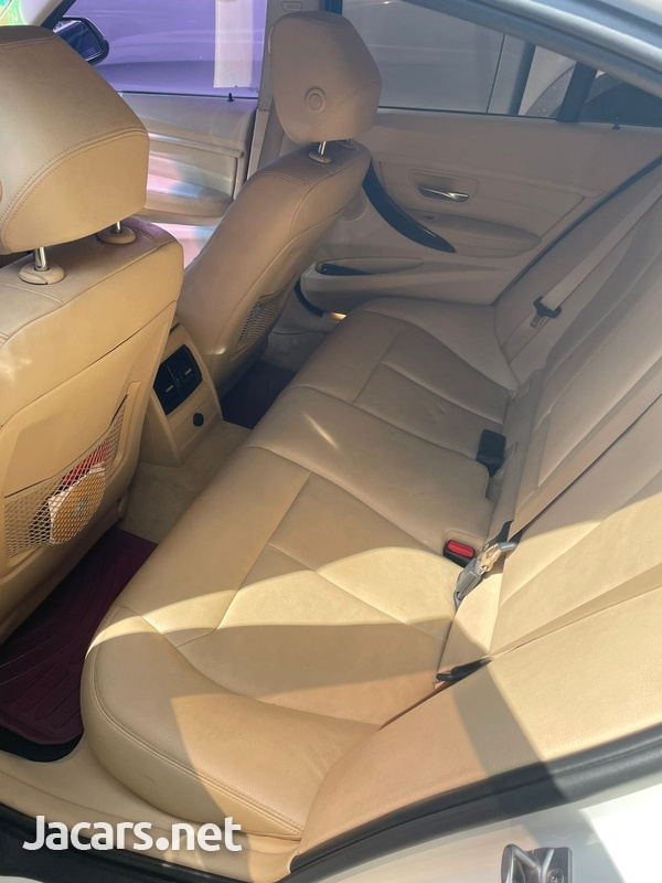 BMW i8 2,0L 2014-4