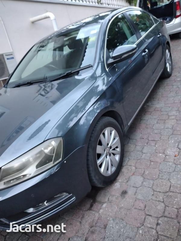 Volkswagen Passat 1,8L 2012-1