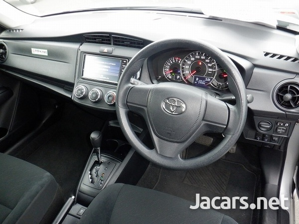 Toyota Axio 1,4L 2019-4