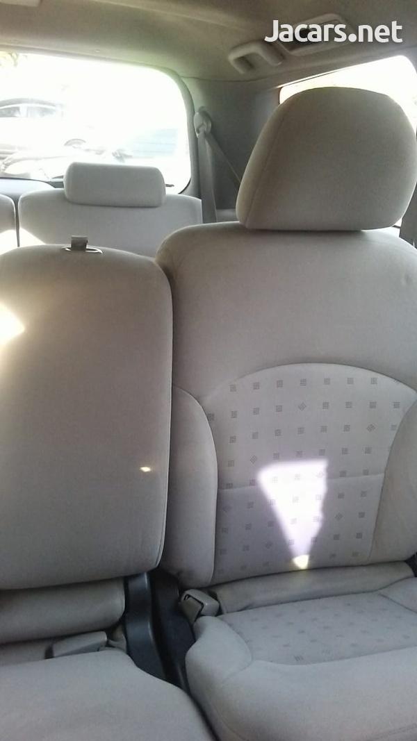 Mitsubishi Grandis 2,4L 2007-7