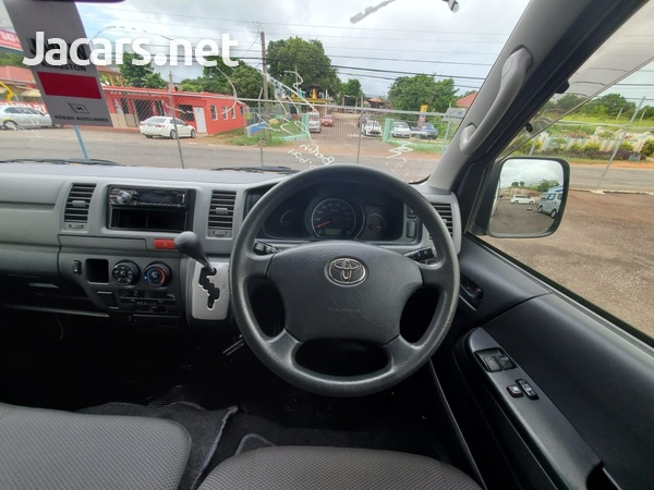 Toyota Hiace 2,0L 2013-10