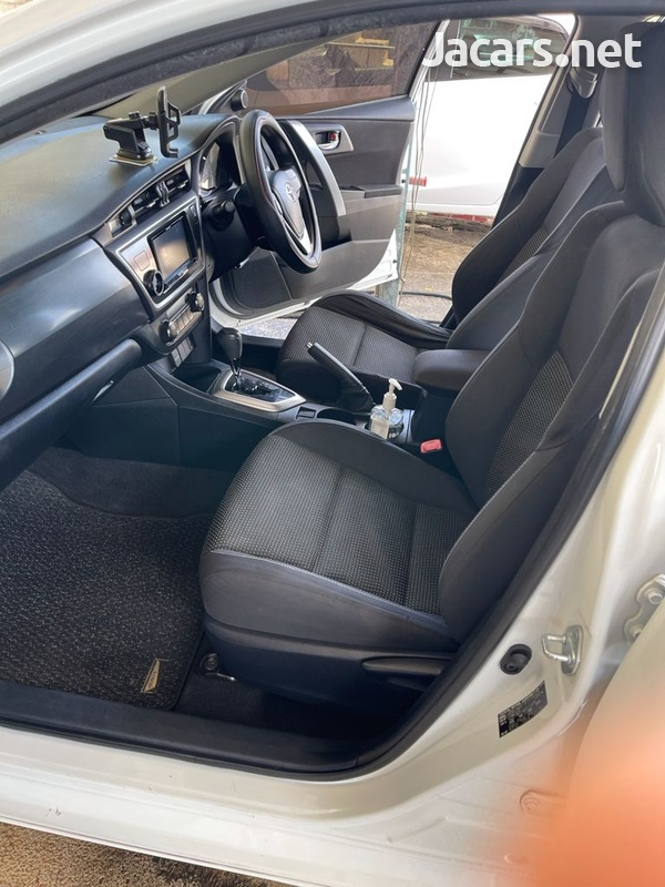 Toyota AURIS 1,5L 2013-9