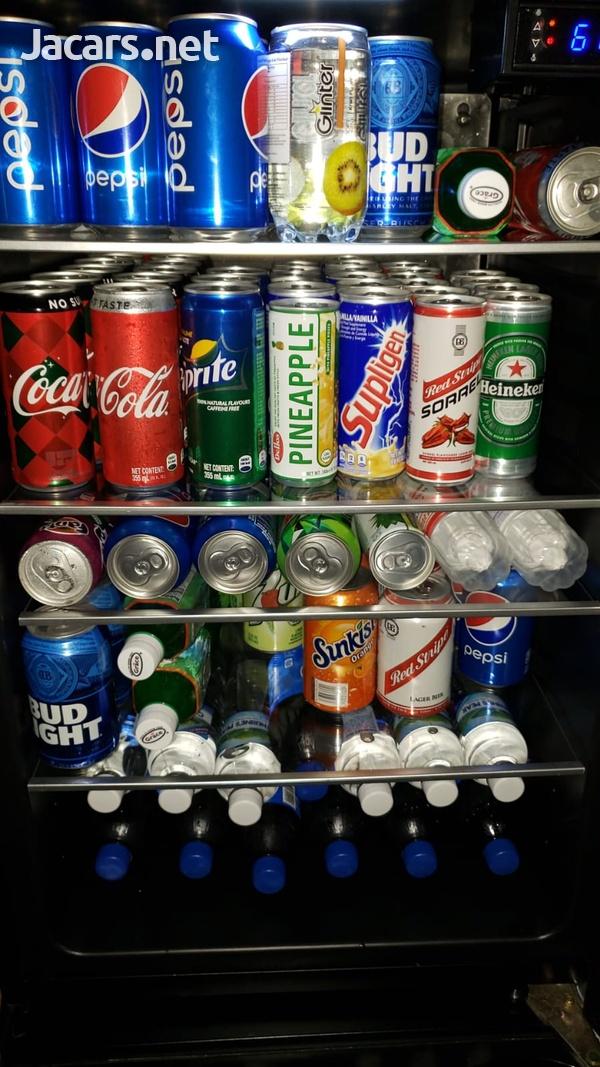 IGLOO 180 CANS BEVERAGE COOLER-3