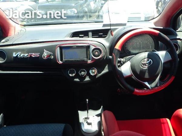 Toyota Vitz 1,3L 2011-3