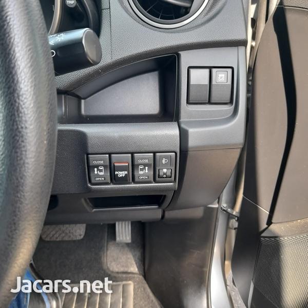 Mazda Premacy 1,8L 2016-3