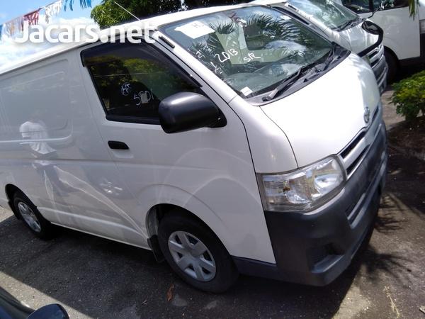Toyota Hiace 3,0L 2013-1