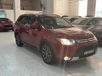 Mitsubishi Outlander or Airtrek 2,4L 2015