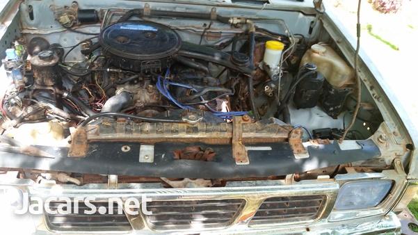 1988 Nissan Cab Plus 2,4L 1988-1
