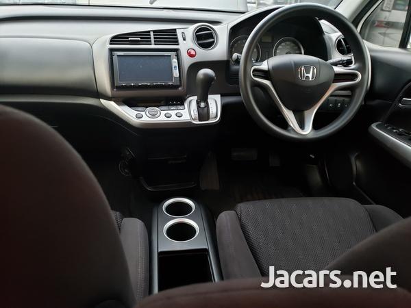 Honda Stream 1,8L 2014-6