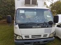 2004 Isuzu elf freezer truck