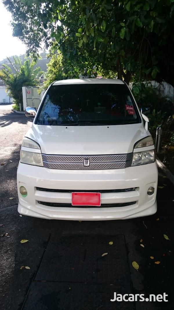 Toyota Voxy 2,0L 2006-3