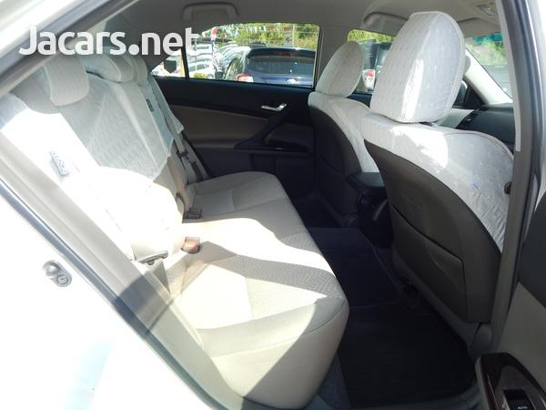 Toyota Mark X 2,4L 2012-7