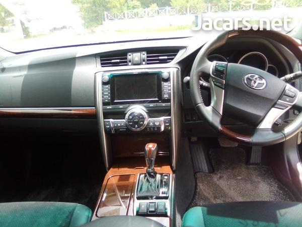 Toyota Mark X 2,5L 2015-4
