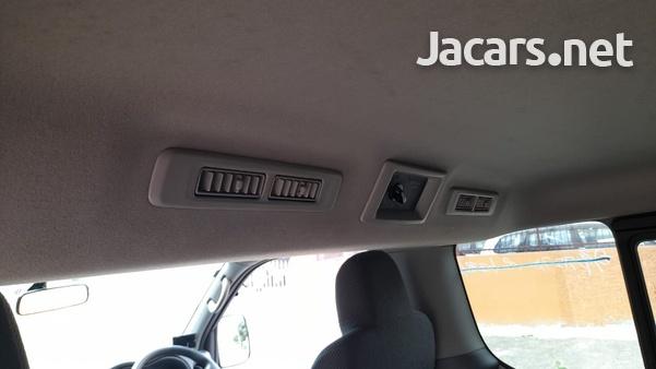 Nissan Caravan 2,5L 2015-8