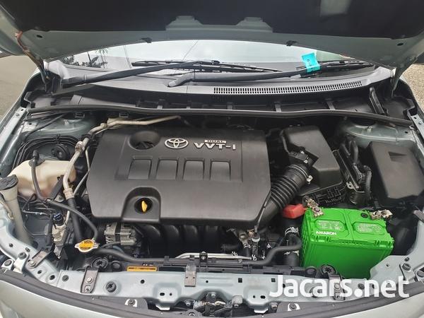 Toyota Corolla Altis 1,6L 2013-8