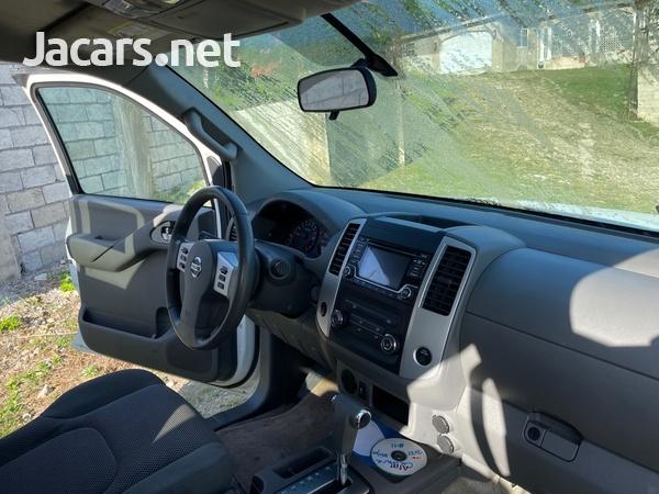 Nissan Frontier 6,1L 2016-5