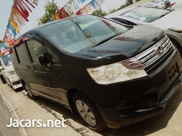Honda Stepwgn 2,0L 2012-3