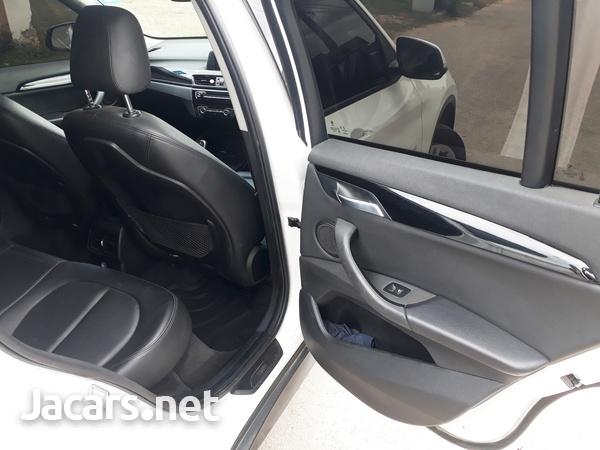 BMW X1 1,8L 2018-13