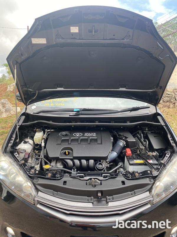 Toyota Wish 2,0L 2011-8