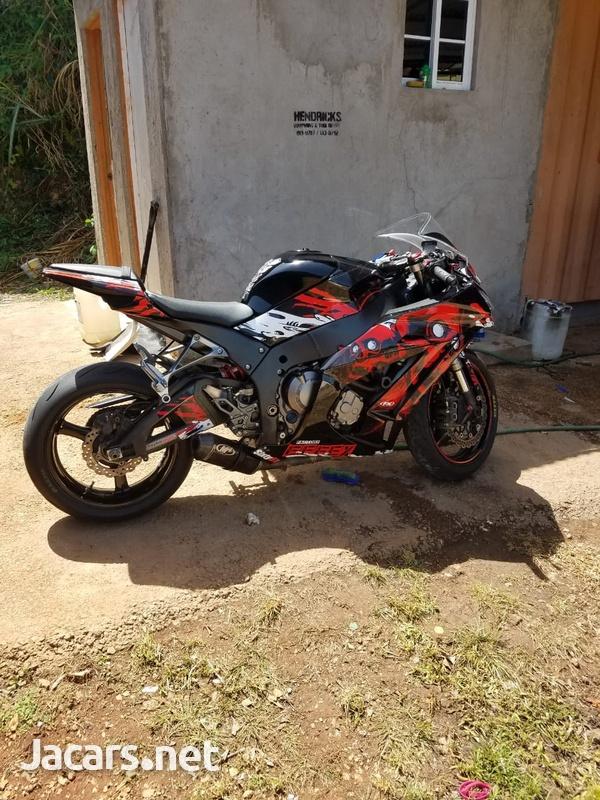 Kawasaki 1000ZX 2011-1