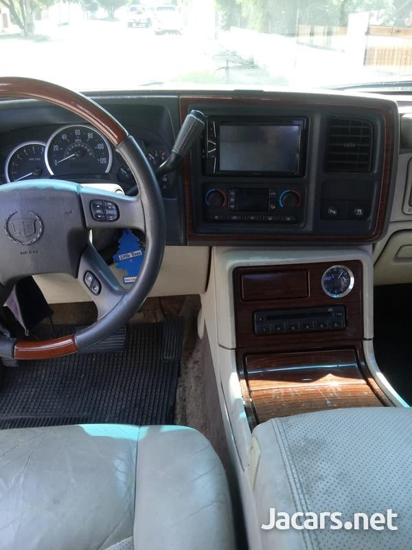 Cadillac Escalade 6,0L 2003-9