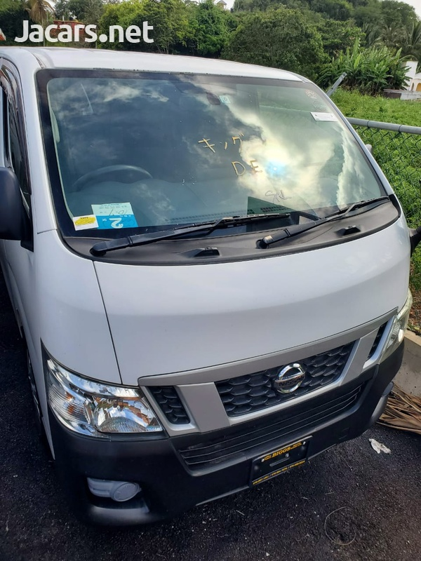 Nissan Caravan 2,0L 2015-1