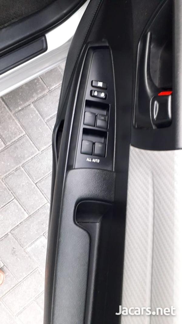 Toyota Axio 1,5L 2014-8