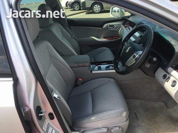 Toyota Crown 3,0L 2012-9