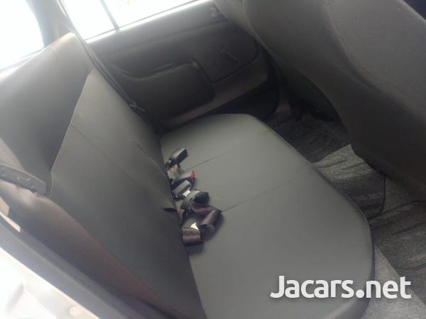 Toyota Probox 2,5L 2016-4